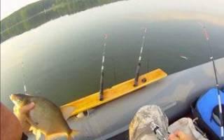 Ловля леща с лодки на бортовые удочки