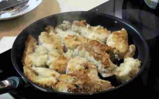 Жареная щука на сковороде в муке